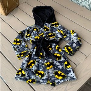 3/$20{Batman}Boys Sz 3T Batman Hooded Robe